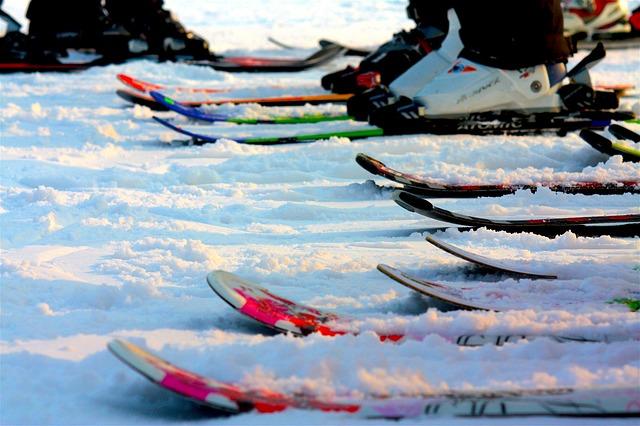 Serwis dla narciarzy biegowych ostrzega początkujących