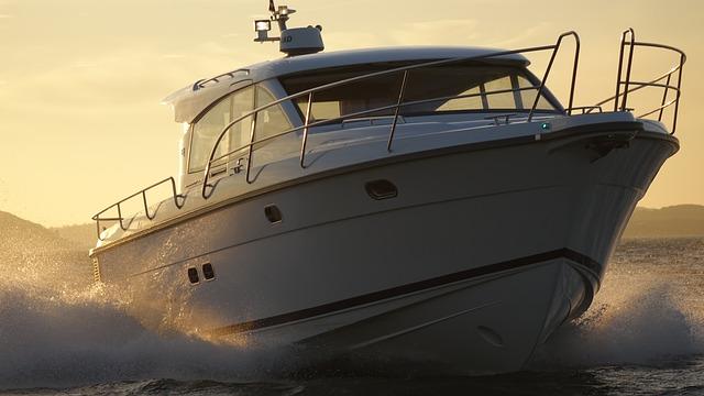 Czarter na Mazurach jachtów żaglowych czy motorowych?