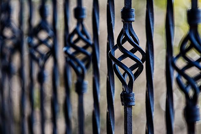 Napędy do bram Lublin – zestaw dla twojego bezpieczeństwa