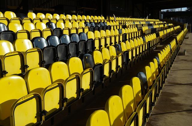 Siedziska stadionowe były niewygodne