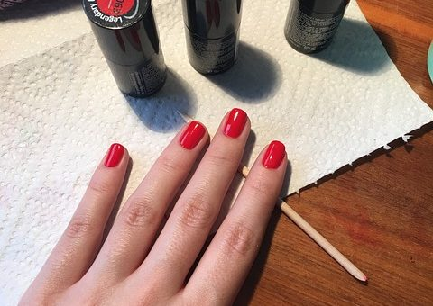 Reklama naszego salonu z manicure hybrydowym