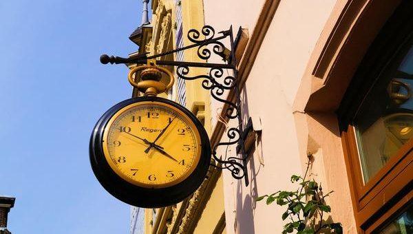 Tarcza nie jest potrzebna nowoczesnym zegarom naściennym
