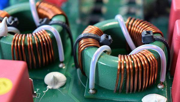 Przemysłowa produkcja transformatorów toroidalnych