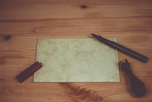 Kiedy korzystać z kopert ecru?