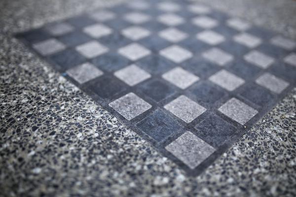 betonowy stół do gry