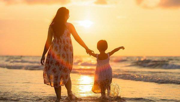 Cudowne wakacje nad morzem z dziećmi blisko morza