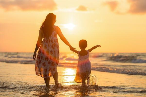 wakacje nad morzem z dziećmi blisko morza